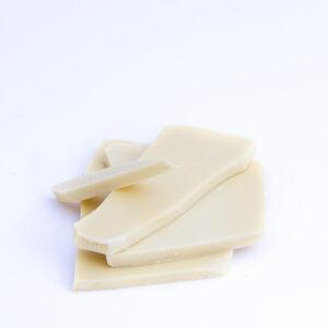 Ručně vyráběná lámaná bílá čokoláda
