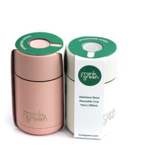 Nerezový termo-hrnek na kávu nebo čaj v různých barevných provedení.