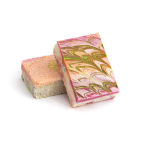 Mýdlo Solné Malinové růžově barevné.